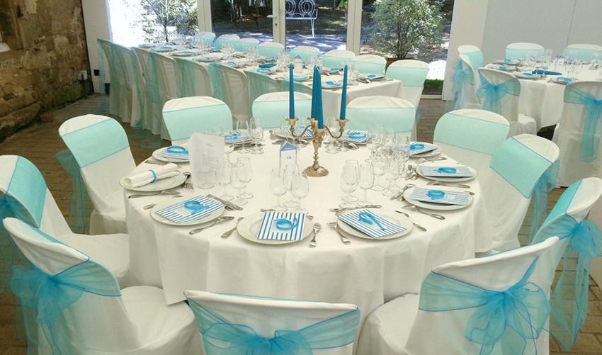 louer des housses de chaises pour mariage affordable housses de chaises location de dcoration. Black Bedroom Furniture Sets. Home Design Ideas